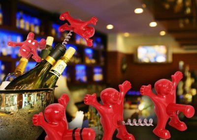 happy-man-wine-stopper-opener-set-party