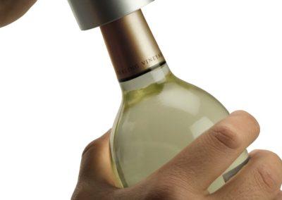 oster-cordless-wine-bottle-opener3