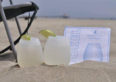 rubber-wine-glasses-jokel-beach