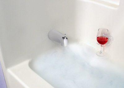 sipcaddy-bath-wine-holder